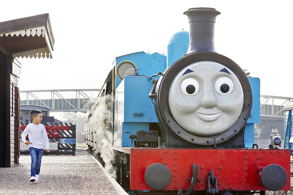 Peep peep a day of family fun with thomas day out with thomas size of thomas engine varies per site m4hsunfo